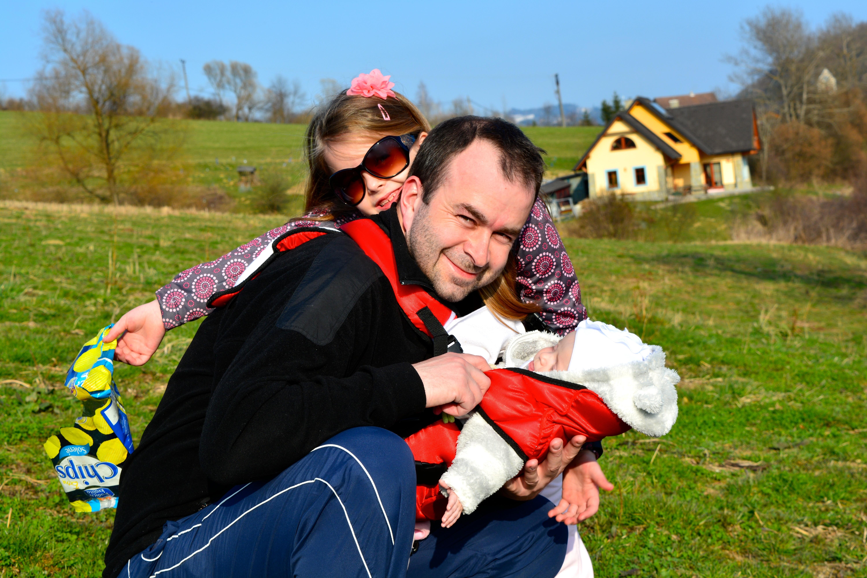 Sdcérkami neďaleko svojho domu vStarej Bystrici. (Foto: archív)