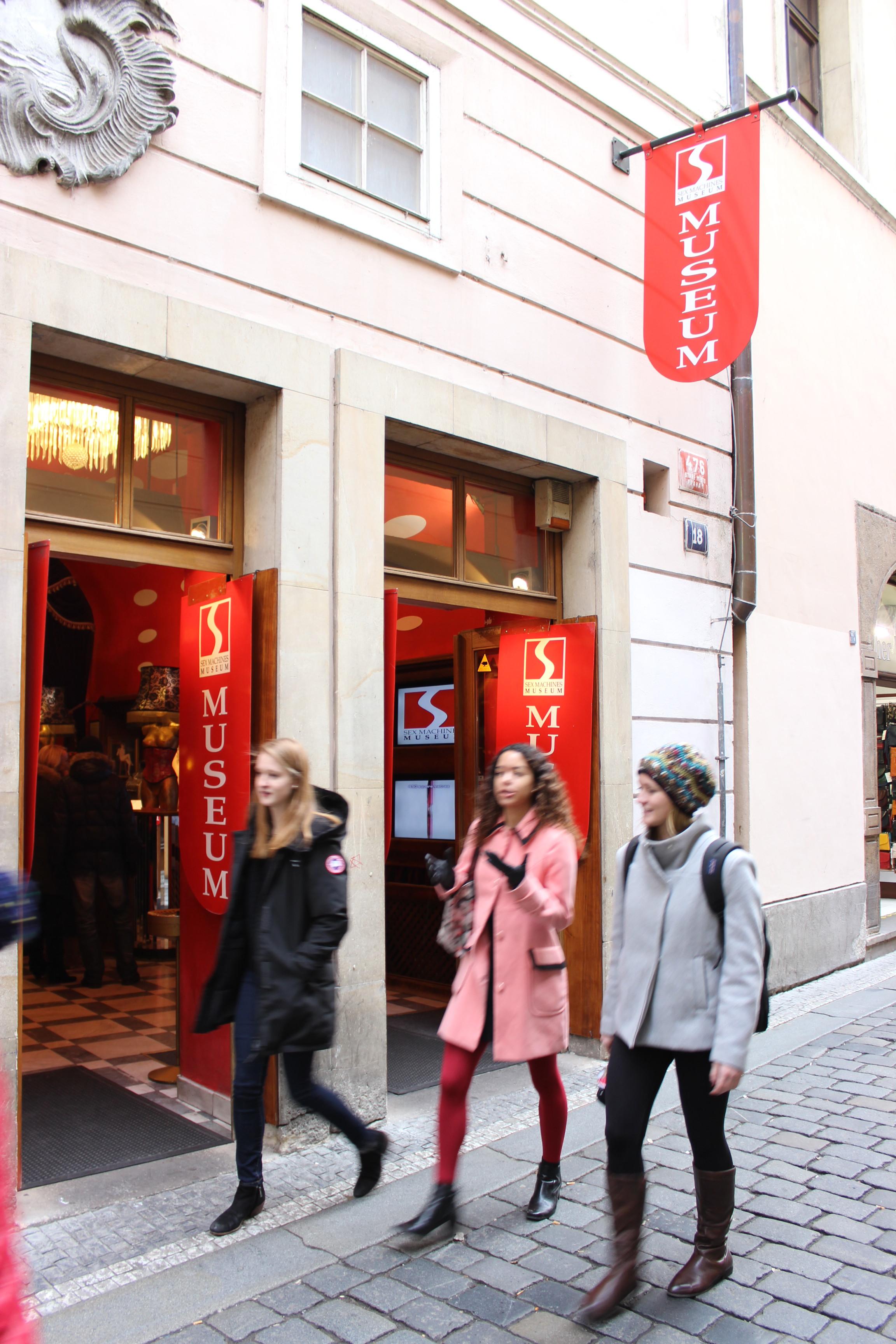 Múzeum sexuálnych pomôcok a hračiek v Prahe je obľúbeným cieľom českého hlavného mesta.