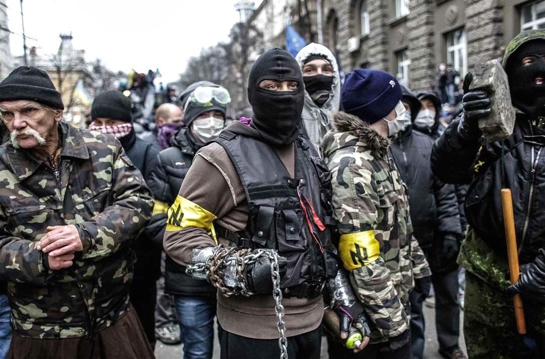 Pravý sektor - pohrobkovia fašistických banderovských bánd. Dnes majú na Ukrajine zelenú, naopak, antifašisti nie sú vítaní. (Foto: archív)