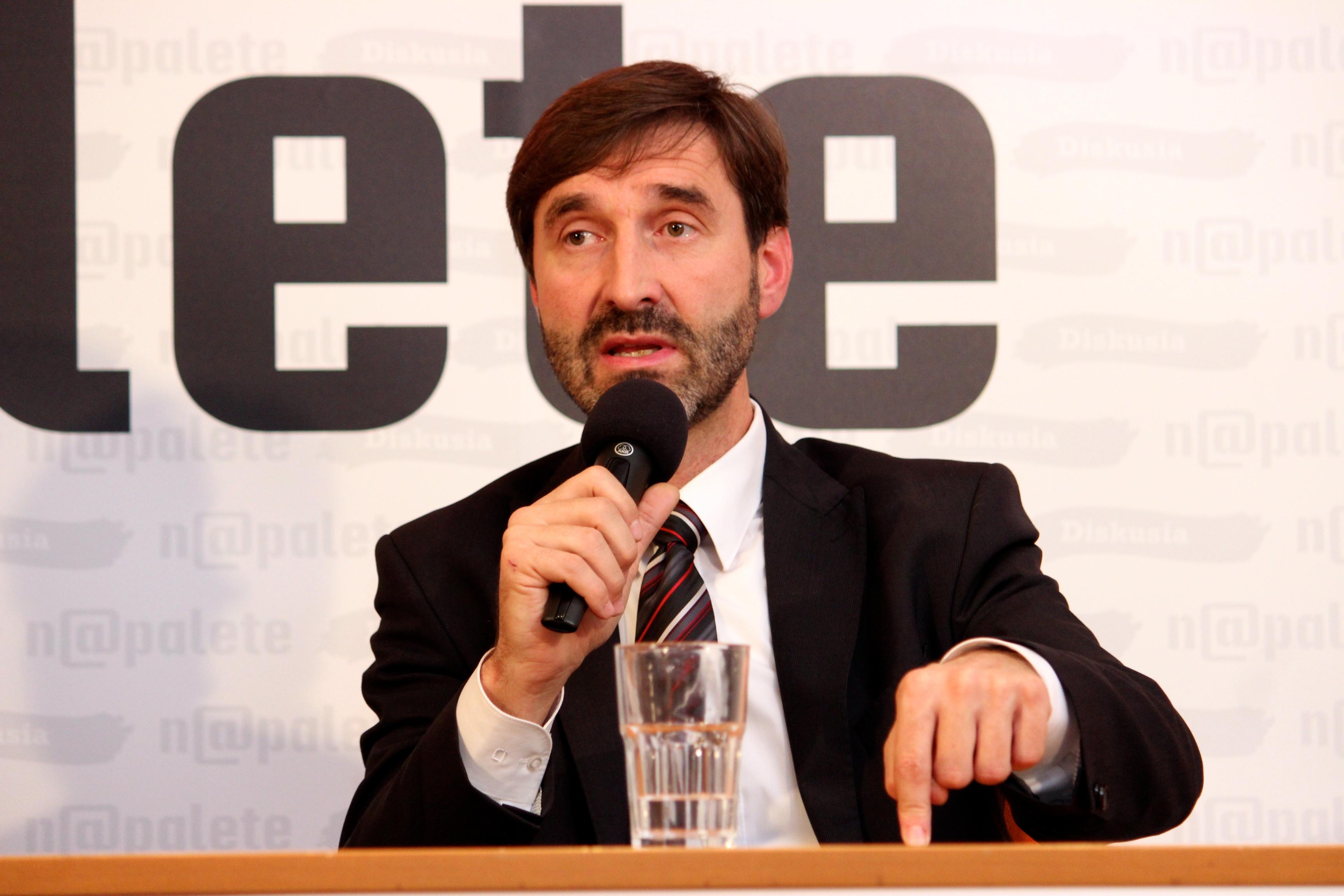 Podpredseda Zahraničného výboru NR SR a žilinský župan Juraj Blanár. (Foto: Michaela Kolimárová)