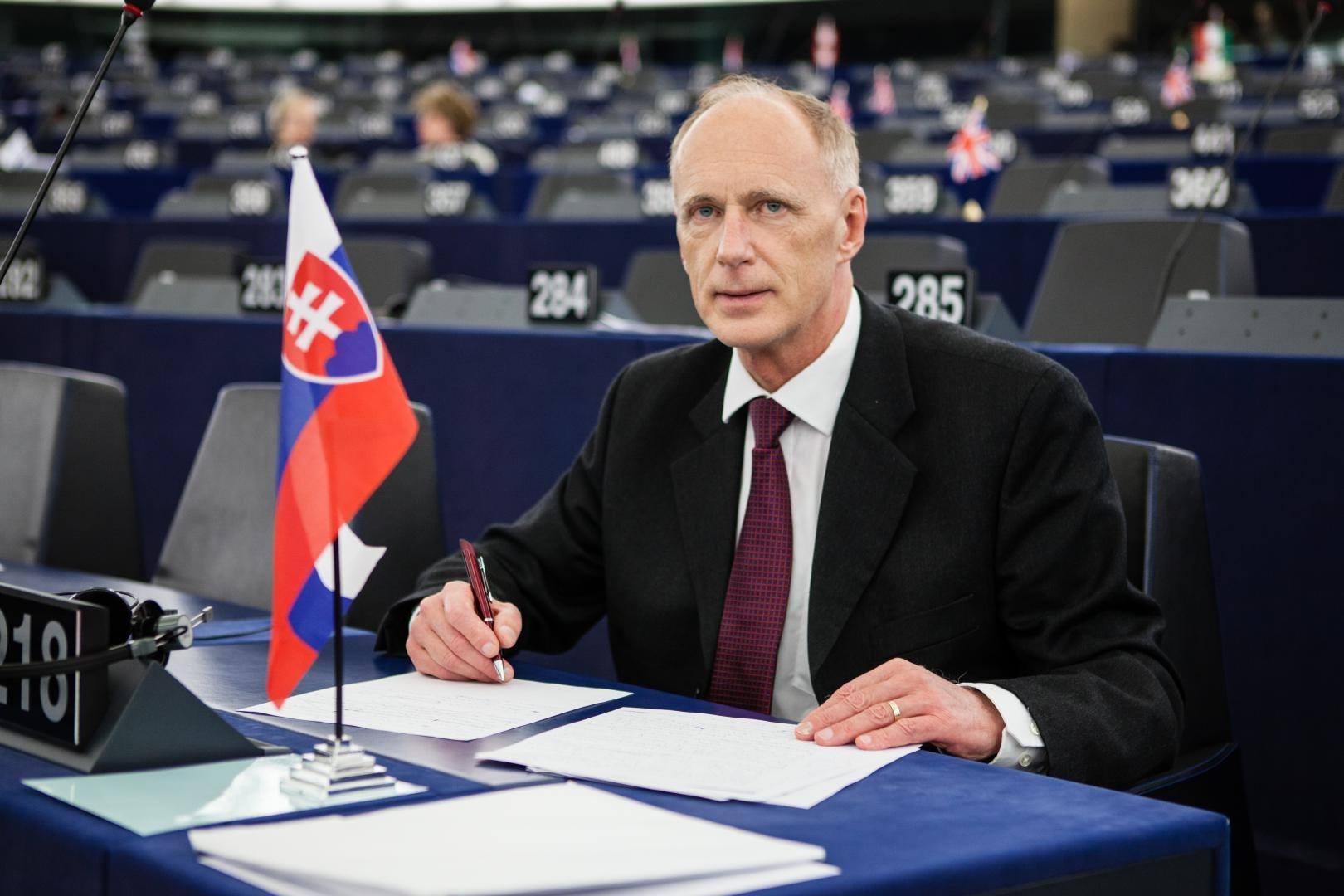 Jaroslav Paška v období, keď bol europoslancom za SNS. (Foto: archív)