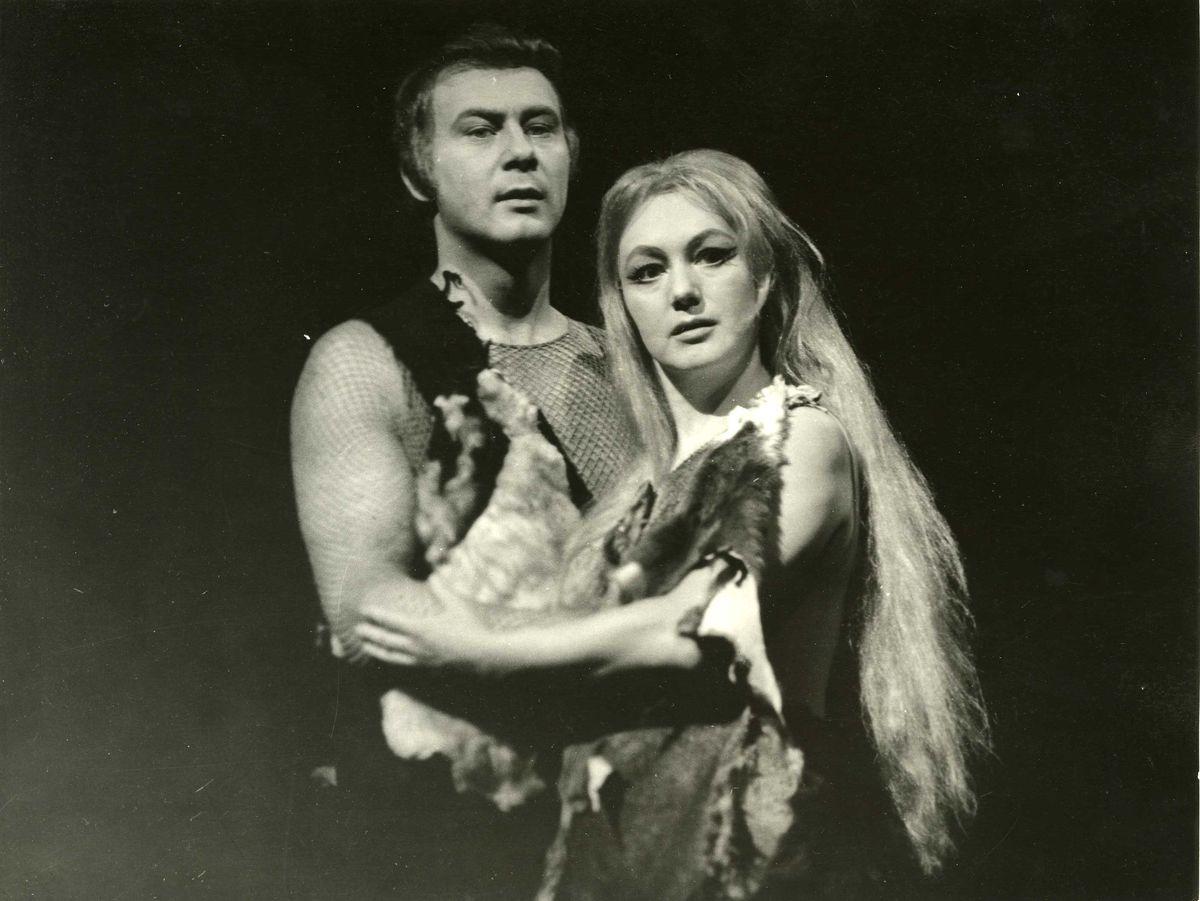 Zdena Gruberová a Leopold Haverl v hre Tragédia človeka. (Foto: archív)