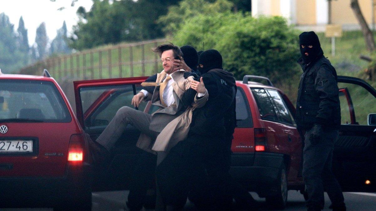Takto zobrazili jeden z momentov zavlečenia Kováča juniora do cudziny tvorcovia filmu. (Foto: archív)
