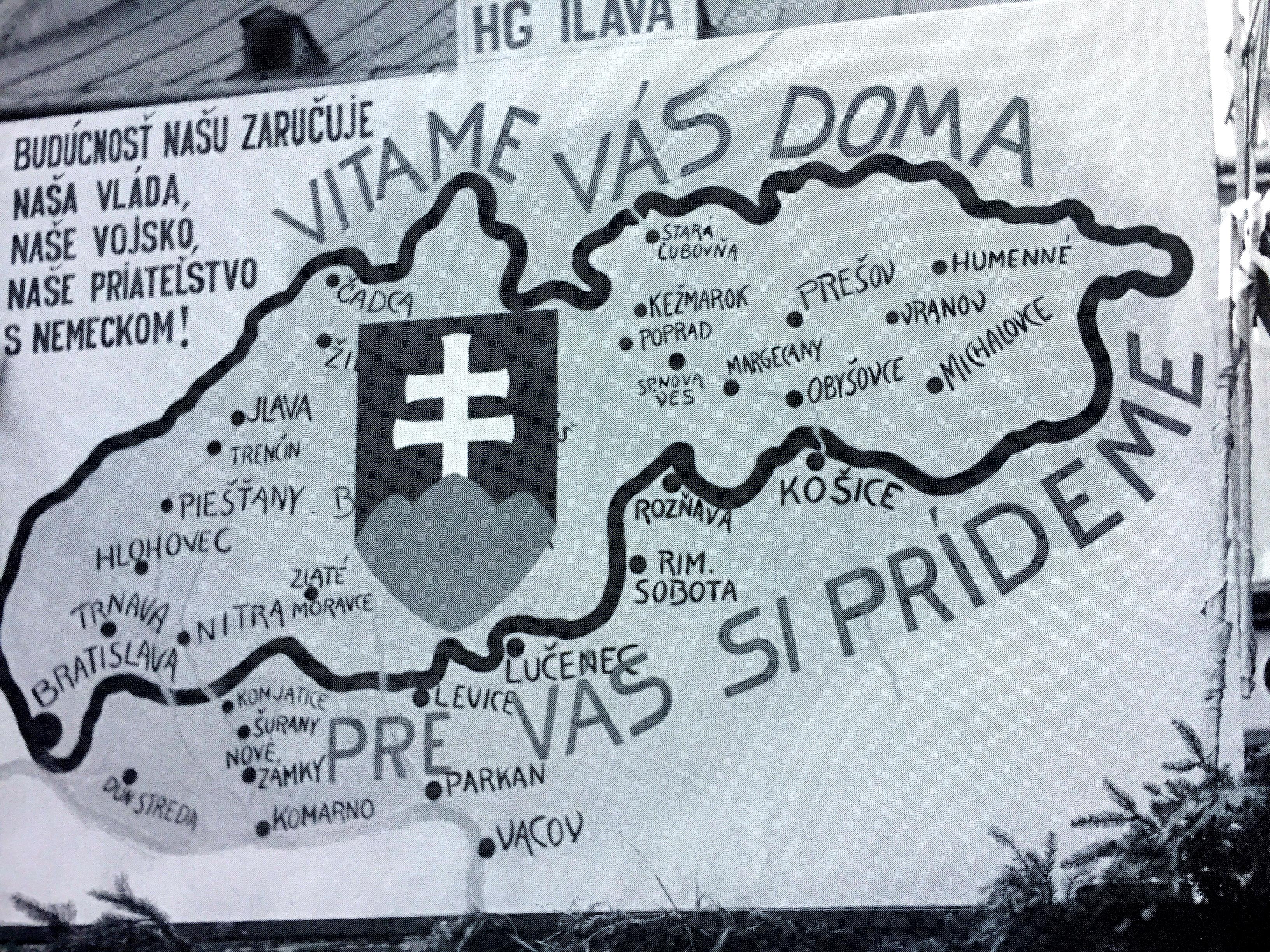 Na VIII. zjazde HSĽS v Trenčíne sa objavil plagát s jasným postojom k okupácii Slovenska horthyovským Maďarskom. (Foto: archív)