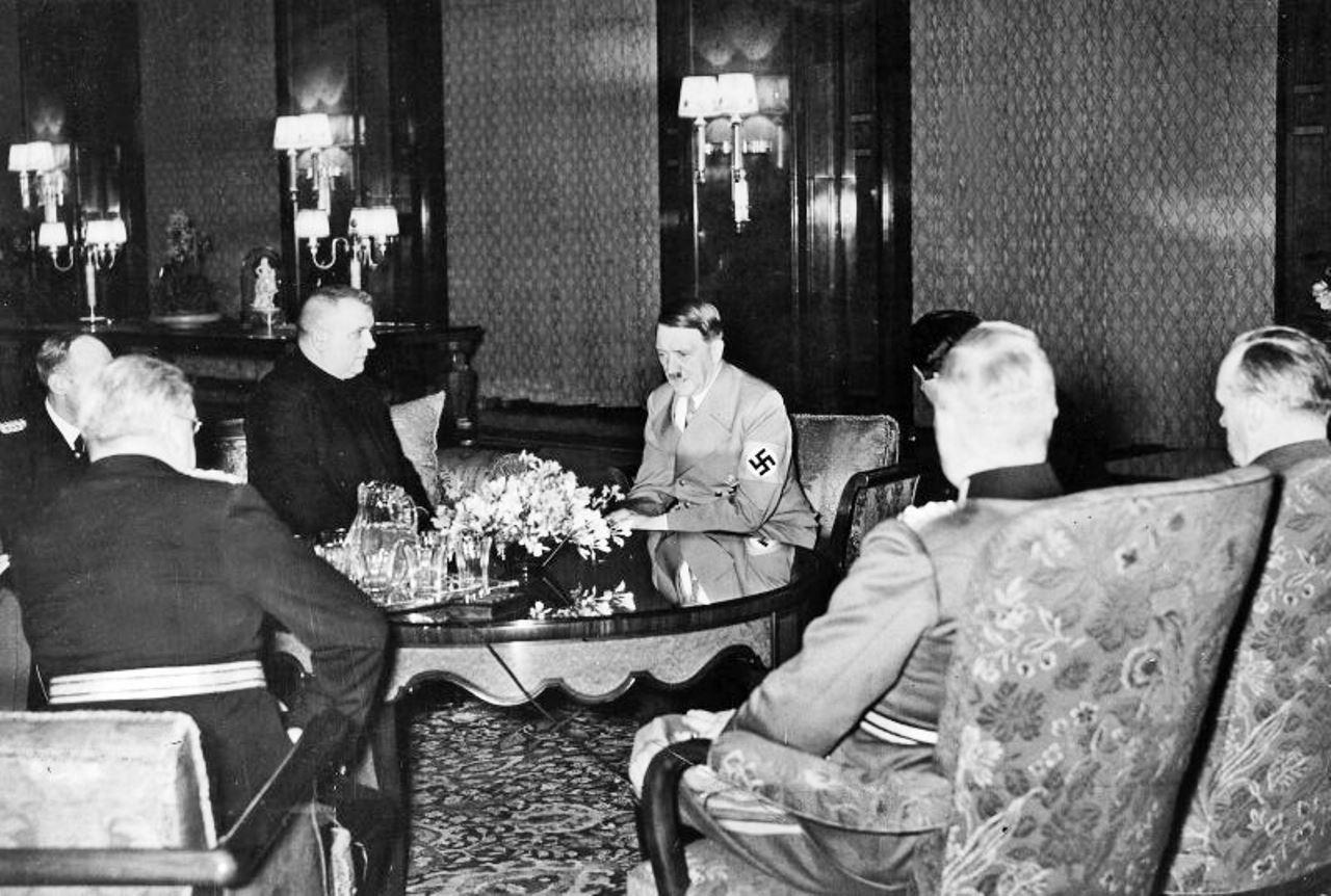 V marci 1939 Hitler na rokovaniach v Berlíne strašil Tisa, že Maďarsko si brúsi zuby na zvyšok Slovenska. (Foto: archív)