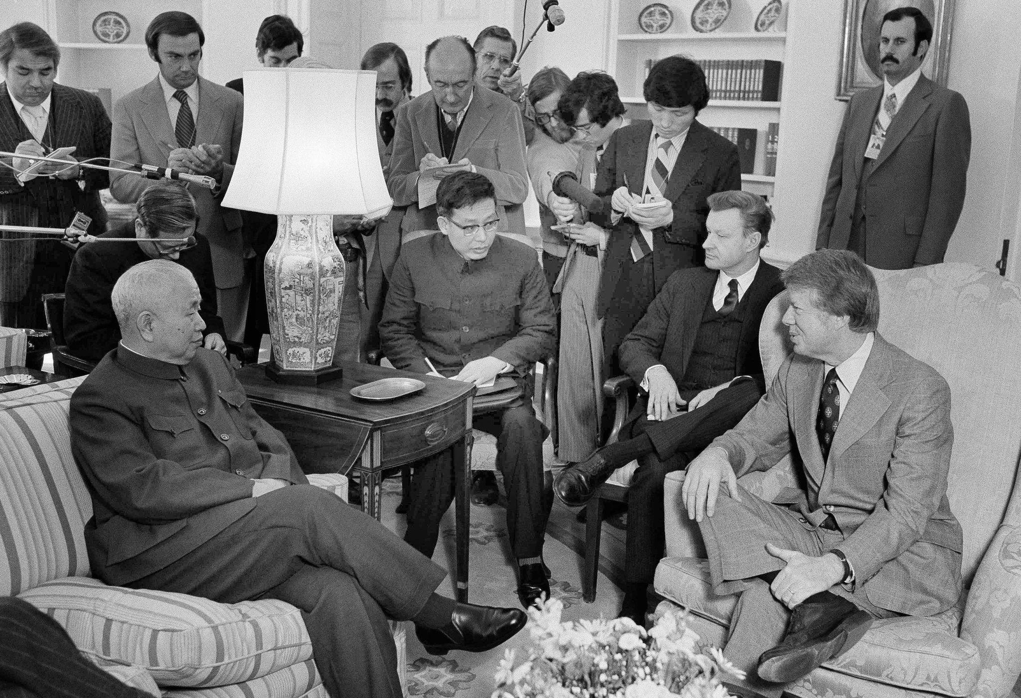 Brzezinski stál po boku prezidenta Cartera ako jeho poradca. (Foto: archív)