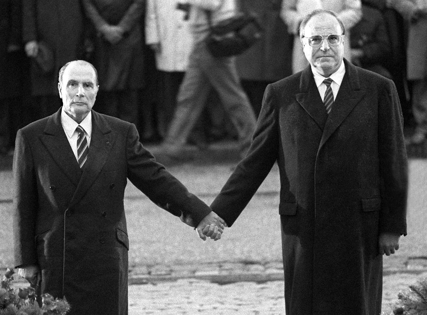 S francúzskym prezidentom Françoisom Mitterrandom. (Foto: archív)