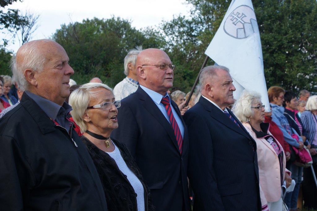 Momentka zo slávnosti k 25. výročiu zvrchovanosti SR v strede Európy - na Kremnických Baniach. (Foto: archív)