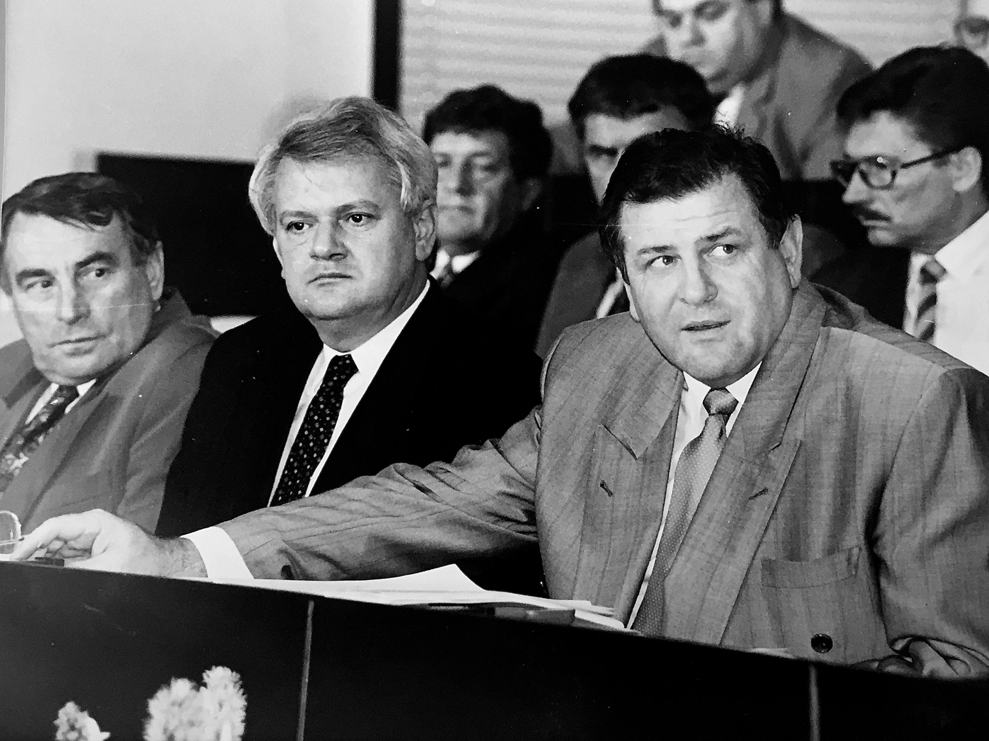 Vladimír Mečiar počas schôdze SNR v júli 1992.  (Foto: Marián Varga)